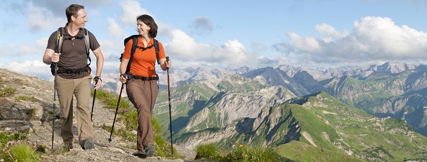 Bayern ist geprägt von einer großen Vielfalt unterschiedlichster Böden und Gesteine. Nachfolgend finden Sie eine Auswahl von Lehrpfaden mit überwiegend geologischen und/oder bodenkundlichen Inhalten, die Ihnen einen Eindruck von der Schönheit und Mannigfaltigkeit der bayerischen Heimat geben.